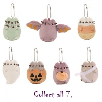 Pusheen Surprise Plush Keychain Series 4 Trick or Treat - Pusheen Holding Pumpkin